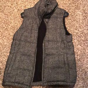 Old Navy Herringbone vest. Size M.
